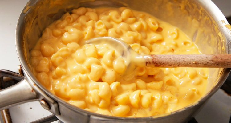 Lifesaving Homemade Mac And Cheese Done In 15 Minutes!